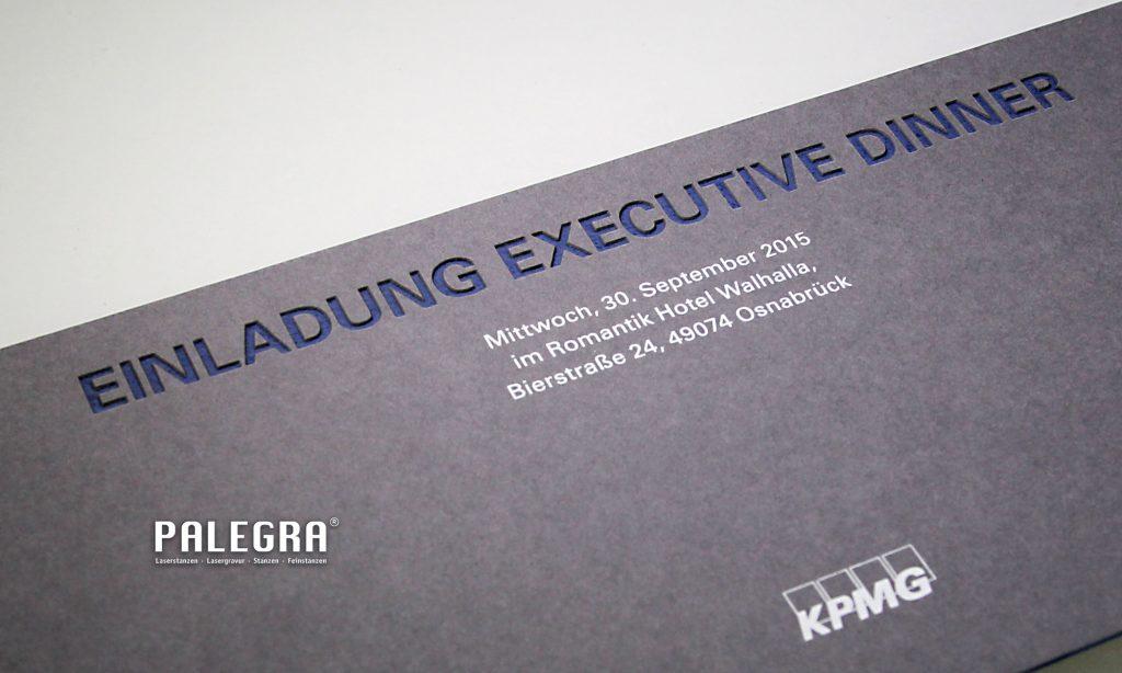 Einladungskarte Lasergravur / Papiergravur. Palegra® veredelt Print.